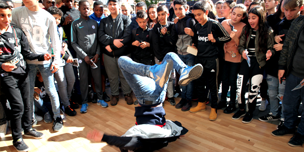 Breakdance workshop dans muzische workshops scholen villa basta